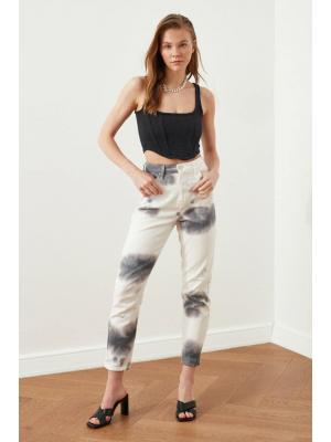 White Jeans with grey effect